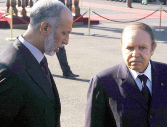 بوتفليقة يقيل مستشاره بلخادم بسبب اتصالات مع سفراء دول أجنبية
