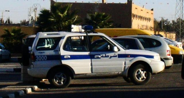 ملاحقة مسنة جزائرية لتمزيقها أوراقا نقدية أمام الشرطة