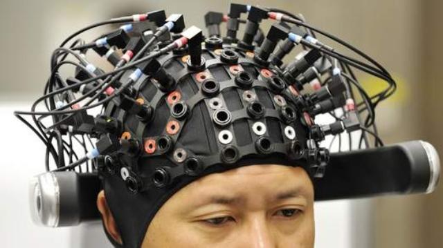 نجاح العلماء في نقل معلومات من عقل بشري لآخر