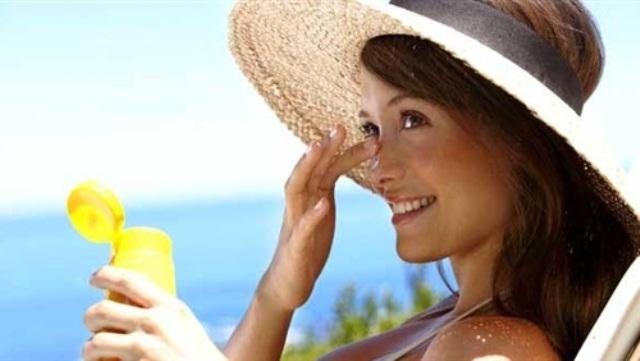 حمامات الشمس تنتج موادًا مخدرة
