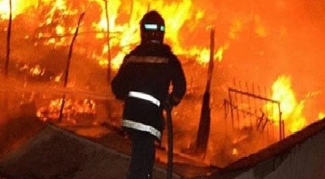 اندلاع حريق مهول بمخازن الكبريت بالجرف الأصفر
