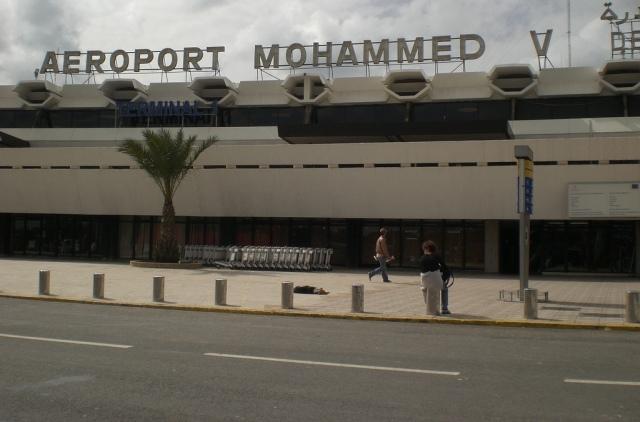 توقيف مواطن مالي في مطار محمد الخامس بشبهة تهريب 80 ألف دولار أمريكي