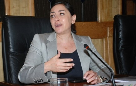 اتهامات للاستقلالية بادو بتبذير المال العام عبر إدخال لقاحات المغرب في غنى عنها