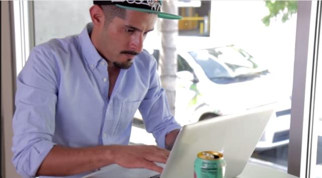 أمريكي عاطل يحذف حرفا من إسمه للحصول على فرصة عمل