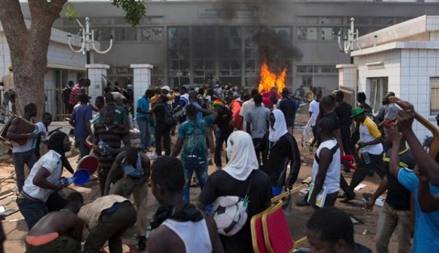 سفير المغرب : لم يصب أي  مغربي  في مظاهرات بوركينافاسو