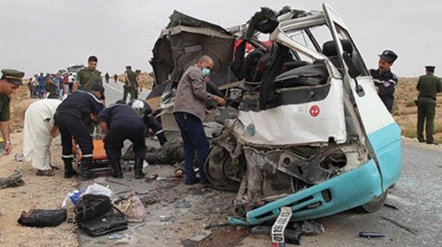 الجزائر: اصطدام حافلتين يودي بحياة 20 شخصا