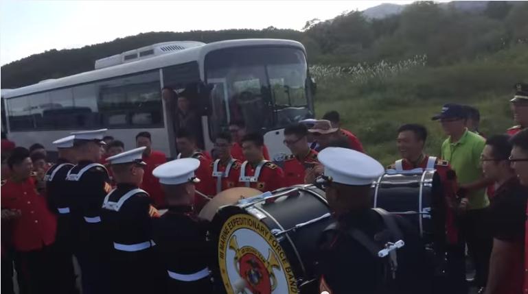 مواجهة في قرع الطبول بين فرقة أمريكية وكورية