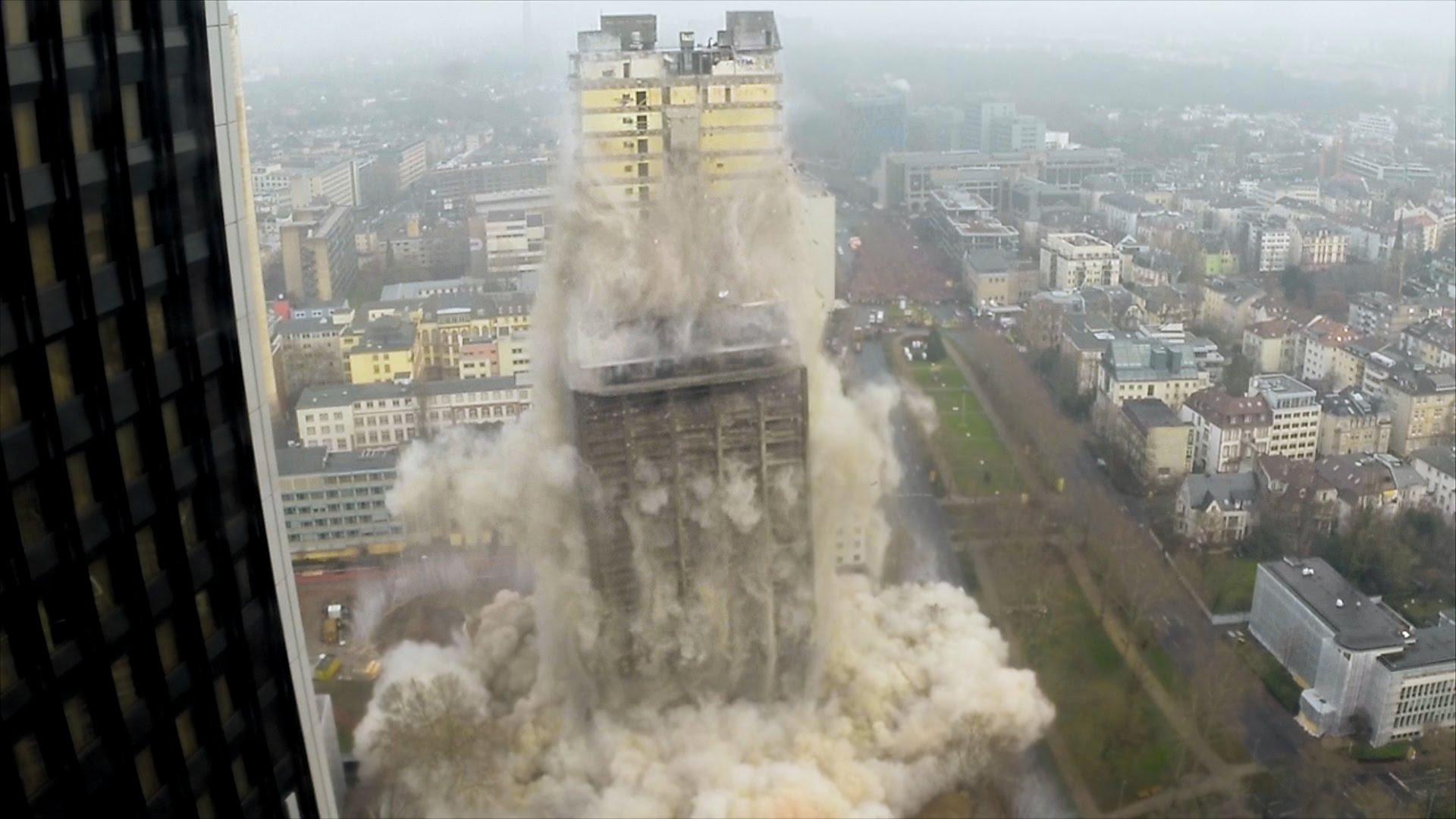 إزالة مبنى جامعي بألمانيا في ثوانٍ