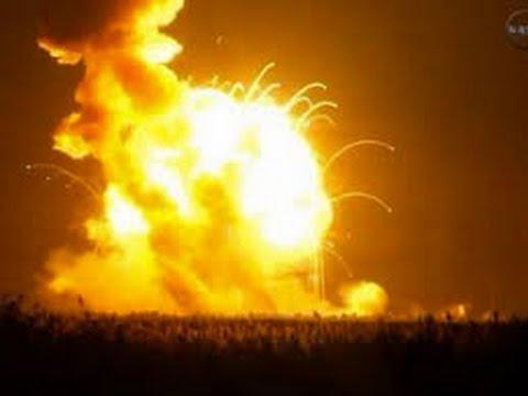 انفجار صاروخ فضائي يحمل مواد غذائية