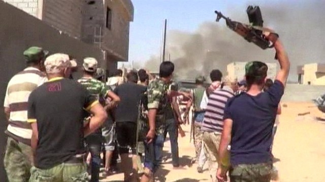 اشتداد المواجهات المسلحة في بنغازي وسقوط مزيد من القتلى