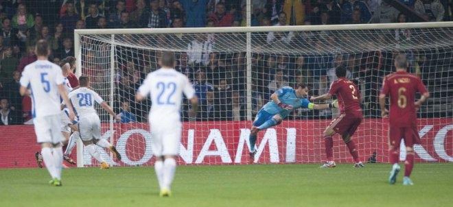 سلوفاكيا واسبانيا 2-1