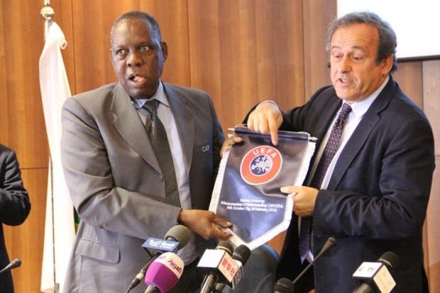 كأس افريقيا بالمغرب تشعل الصراع بين بلاتيني والكاف