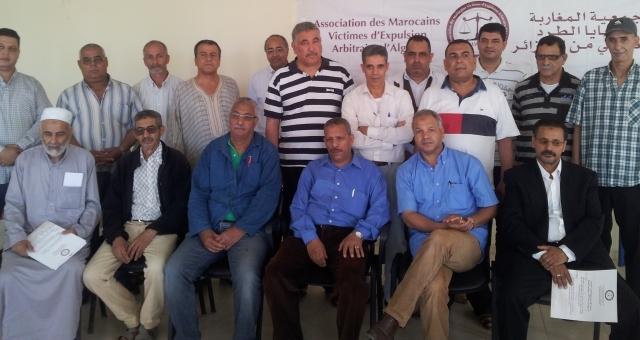 المغاربة المطرودون من الجزائر...دفعوا ضريبة التوتر