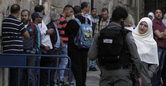 المتطرفون اليهود يدنسون الأقصى لليوم الثالث