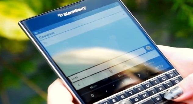 «بلاك بيري» تطلق هاتفها الذكي الجديد «باسبورت»