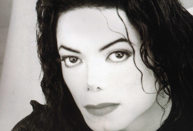 مايكل جاكسون الأعلى دخلا بين المشاهير الراحلين