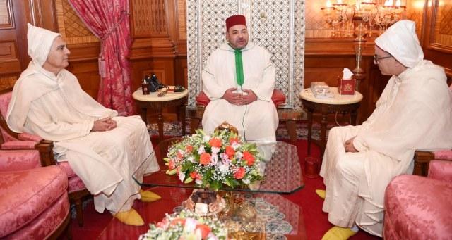العاهل المغربي يستقبل محمد أوجار وعددا من السفراء الأجانب