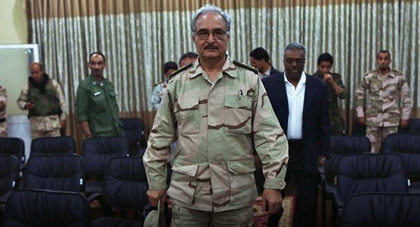خليفة حفتر يصف الجزائر بـالعدوة وناطق باسم الجيش ينفي صحة الخبر