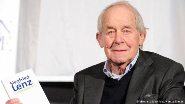 وفاة الكاتب الألماني زيغفريد لينتس عن 88 عاما