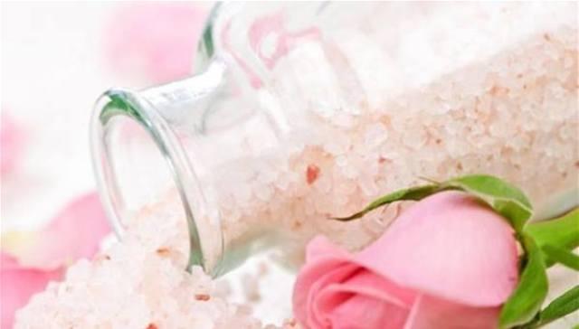 تعرفي على استخدامات الملح لجمالك