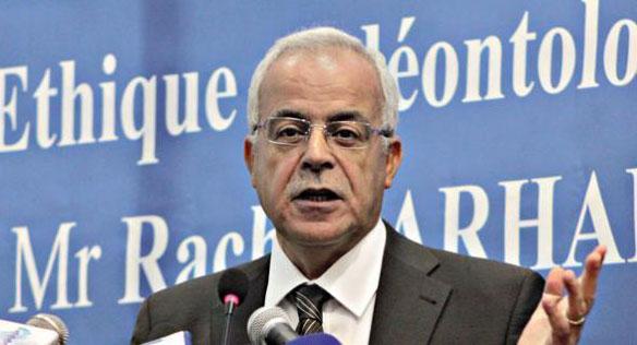 الجزائر..قاضي سابق يؤكد أن بطاقة الصحفي غير قانونية