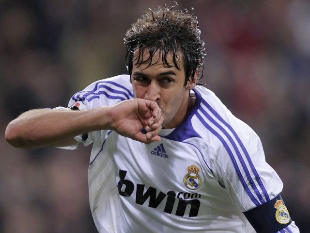 ريال مدريد يحتفي بالنجم السابق راوول