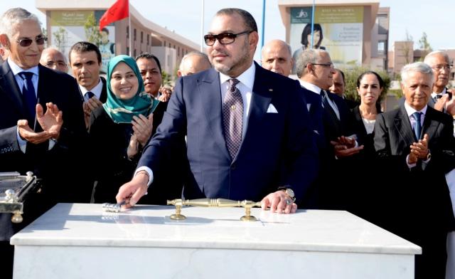 العاهل المغربي يضع الحجر الأساس لمركز البحث والتنمية  بالدار البيضاء