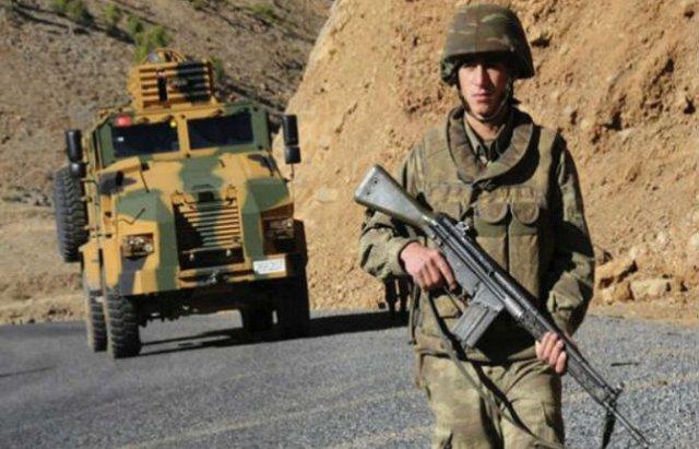 مقتل ثلاثة جنود أتراك على يد مسلحين أكراد