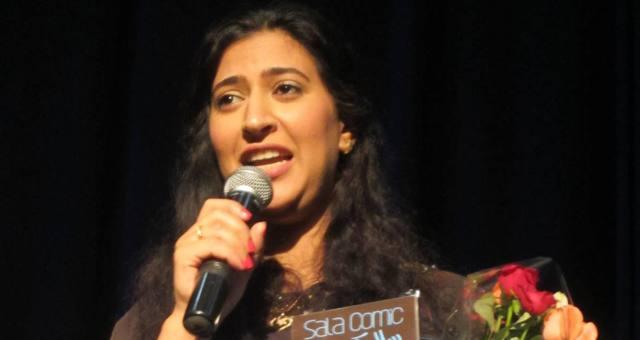 تكريم دنيا بوتازوت في اختتام مهرجان الفنون الساخرة بسلا