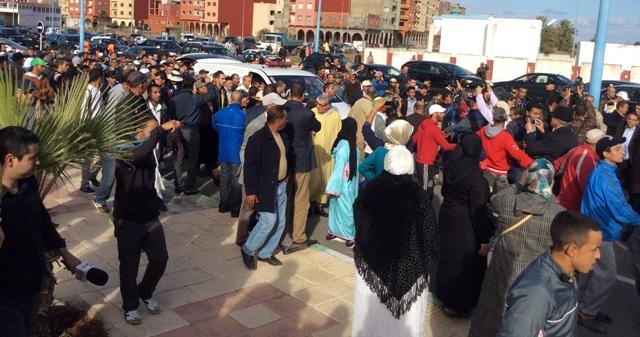 حضور رسمي وشعبي كبير في موكب تشييع جثمان الراحل أحمد الزايدي إلى مثواه الأخير