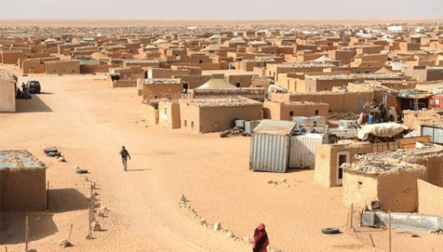 سكان مخيمات تندوف ستنكرون صمت المنظمات الدولية عن رصاص البوليساريو