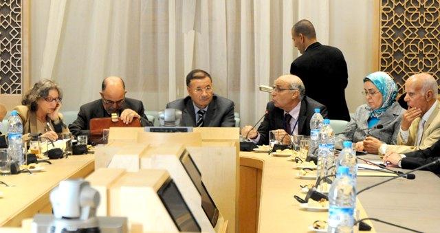 جمعية المحامين المغاربة تقدم تصوراتها للفريق الدستوري بشأن إصلاح القضاء ومهنة المحاماة