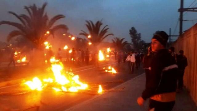 وزير الداخلية الجزائري يتوجه إلى ولاية ورغلة بعد مواجهات عنيفة بين متظاهرين وقوات الأمن