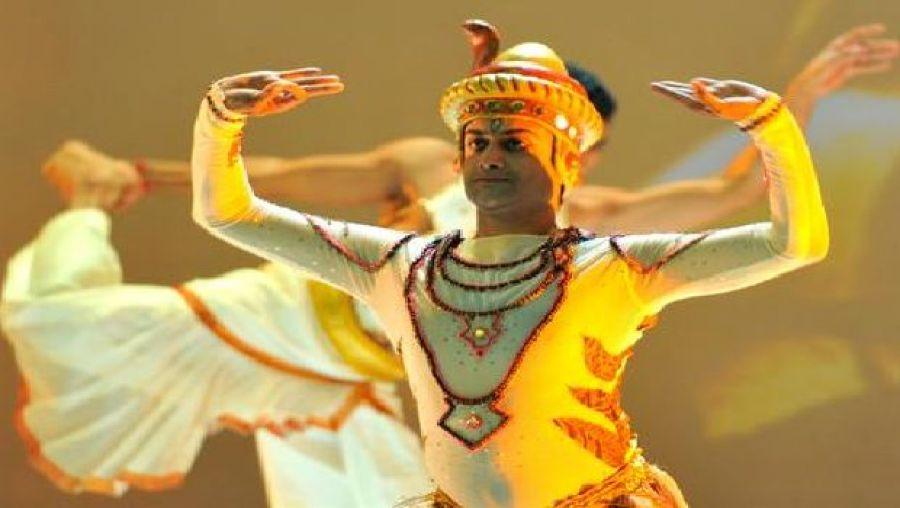 فرقتا الباليه الوطني والهندي تبهران الجمهور بتلمسان