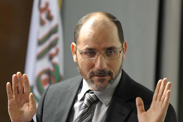 مقري ينفي خبر اتصاله بسعداني لعقد لقاء حزب جبهة التحرير الوطني