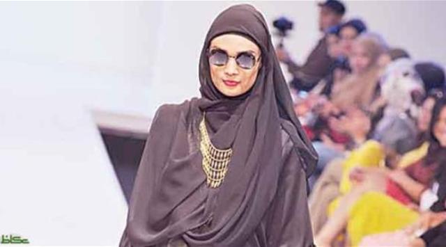 مراهقة صومالية تروّج لحجاب الموضة في أمريكا