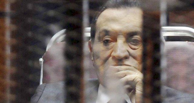 البراءة لمبارك والعادلي في قضايا القتل والفساد