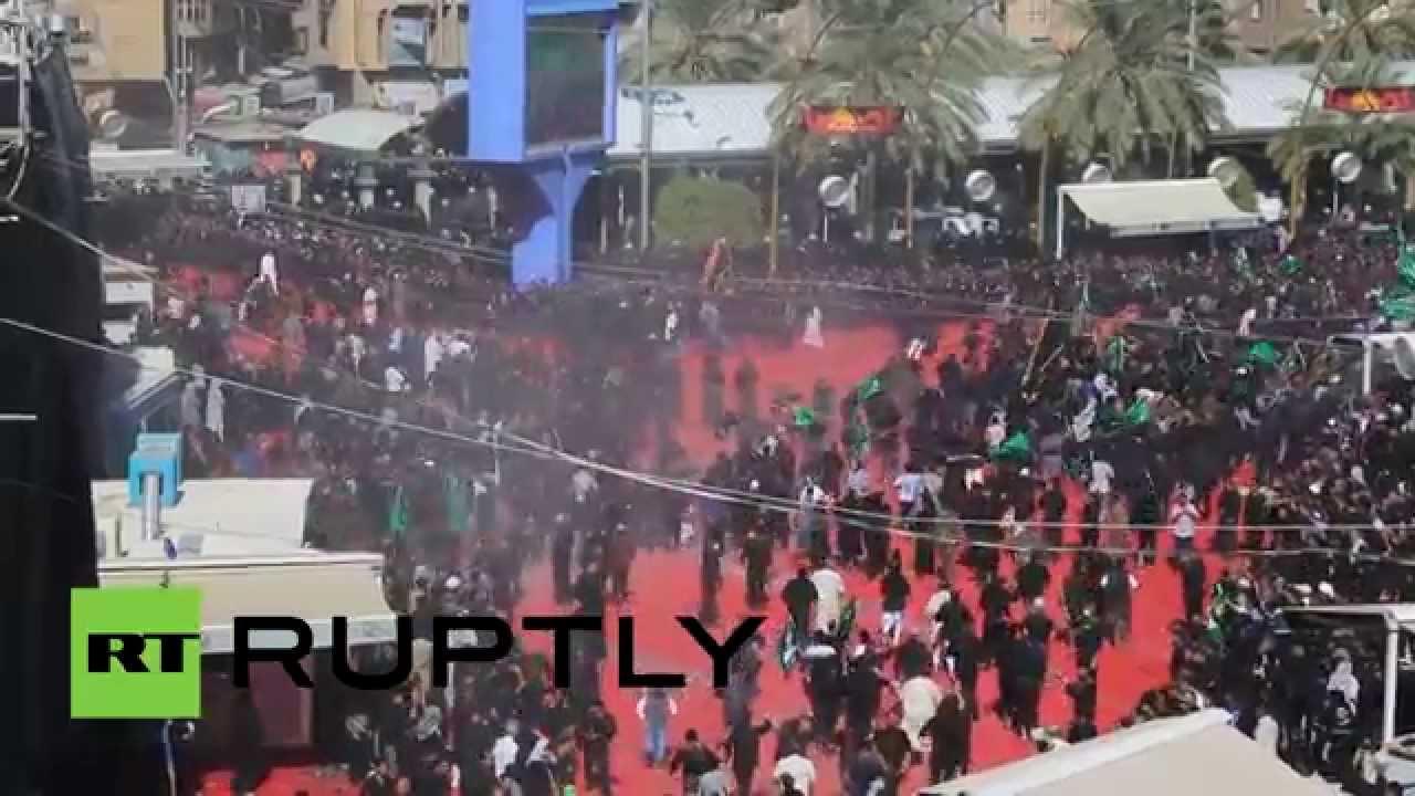 الشيعة يحتفلون بعاشوراء في العراق