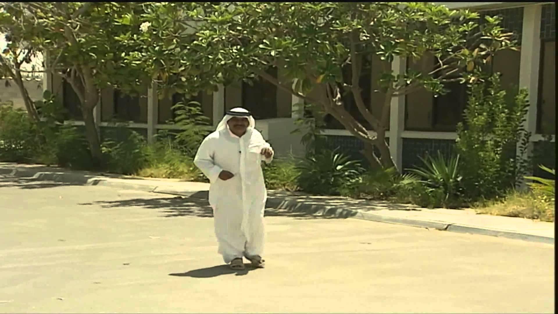 مجرم يسرق سيارة مصور صحفي