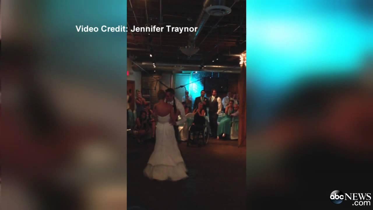 مُقعد يفاجئ عروسه بالوقوف ليلة الزفاف