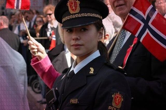 بالصور.. أجمل شرطيات في العالم