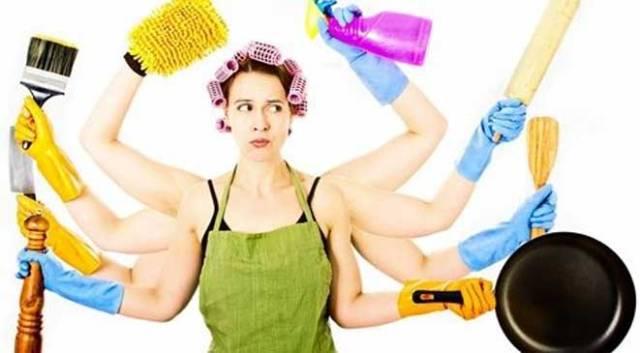 دراسة: المرأة تقضي أغلب حياتها في الأعمال المنزلية
