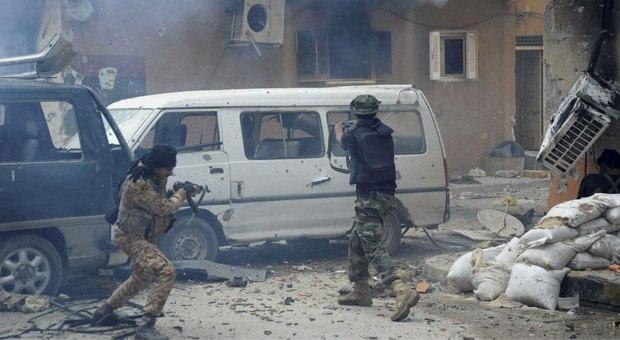 تواصل المعارك الضارية في بنغازي والسكان أكبر المتضررين