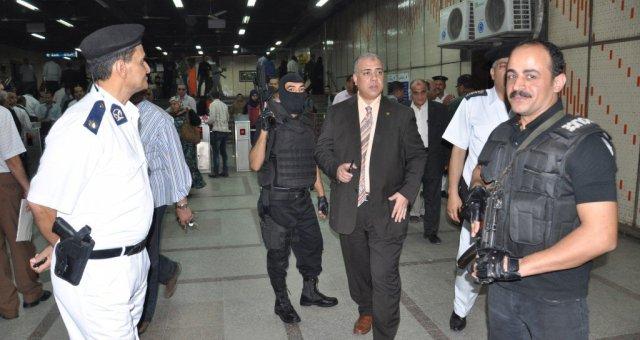16 مصابا في انفجار مترو القاهرة
