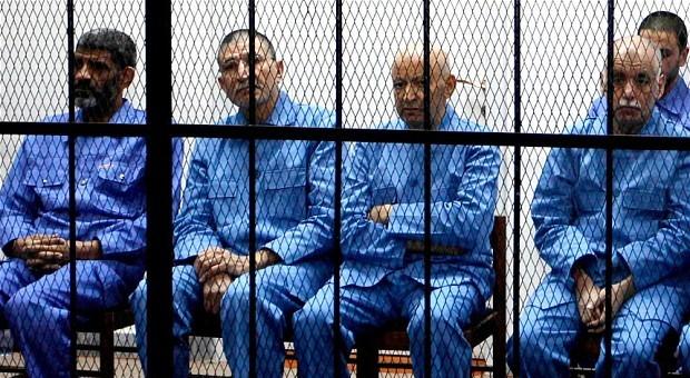 تأجيل محاكمة رموز نظام القذافي إلى نهاية الشهر