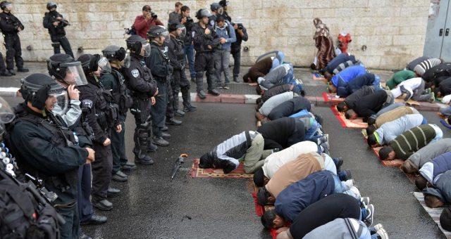 إسرائيل تسمح بدخول المصلين من كل الأعمار للأقصى