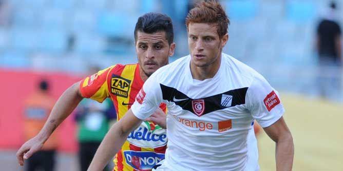 بنيوسف مرشّح لجائز أفضل لاعب عربي