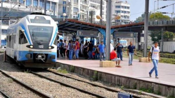 شلل تام في حركة القطارات بالجزائر بسبب تأخر صرف الرواتب