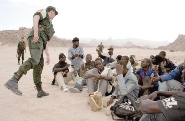 """""""الإيبولا""""يهدد جنوب الجزائر بسبب تدفق كثيف للمهاجرين الأفارقة"""