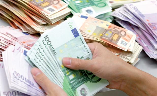جمارك طنجة تفشل أكبر عملية لتهريب الأورو إلى المغرب